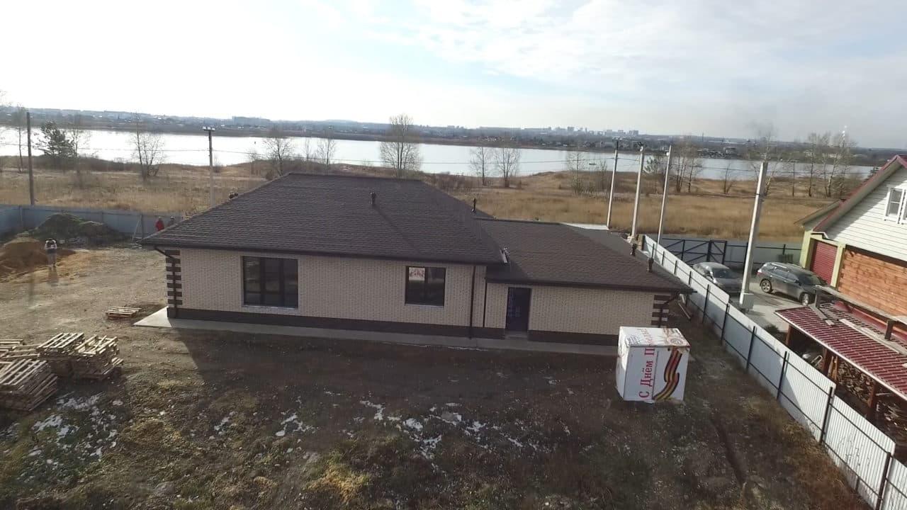 Одноэтажный дом из газобетона 200 кв. м. с гаражом - Фасад 2